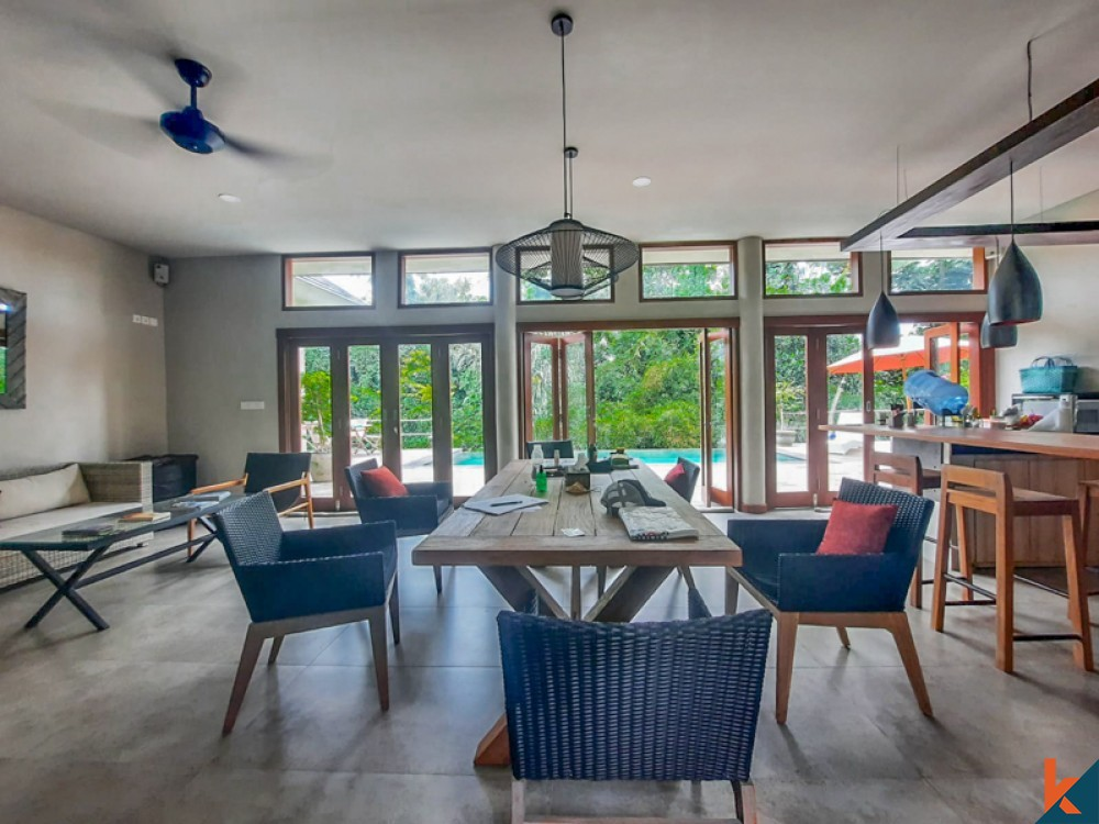 Infinity Pool Villa with Amazing View for Sale in Cepaka