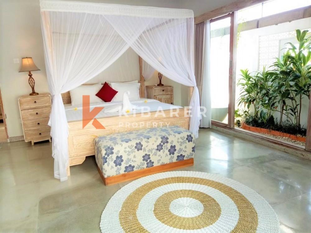 BEAUTIFUL FOUR BEDROOM OPEN LIVING VILLA IN PADANG LINJONG