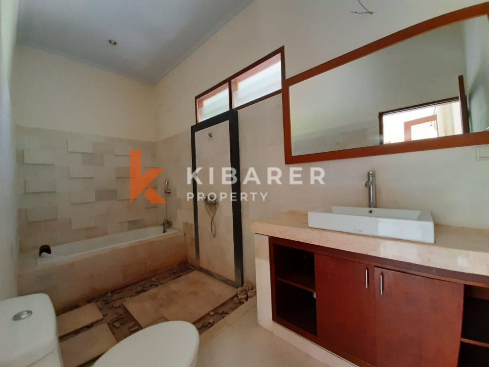 Three Bedroom Villa with semi furnished in Umalas