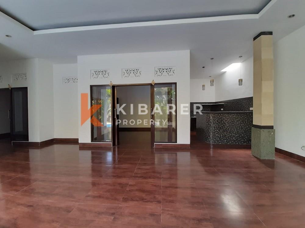 Unfurnished Three Bedroom Villa with good location in Seminyak