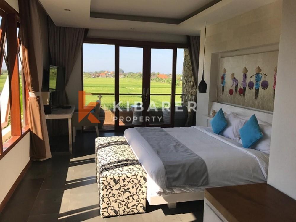 Belle villa de trois chambres avec vue sur la plage et les rizières à Cemagi