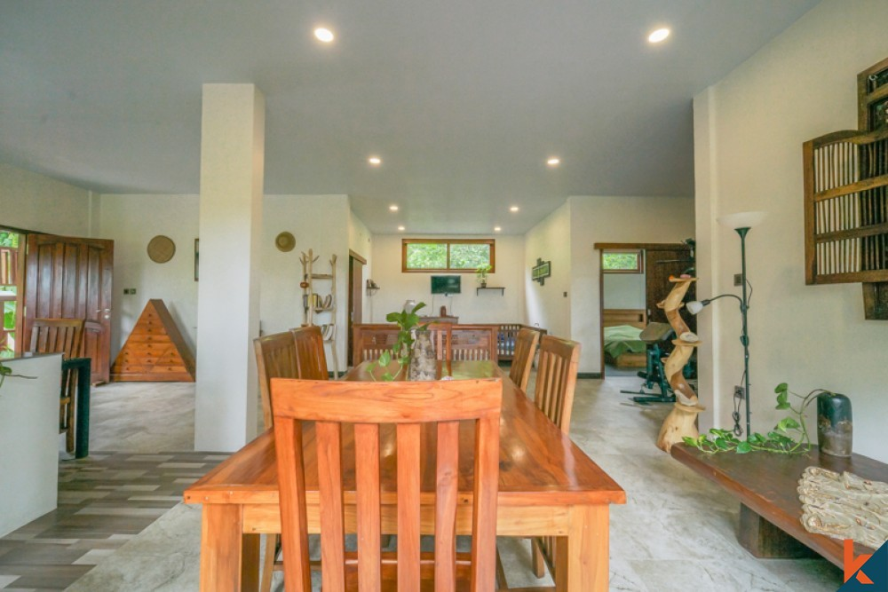Beautiful Wooden Villa with Amazing View for Sale in Ubud