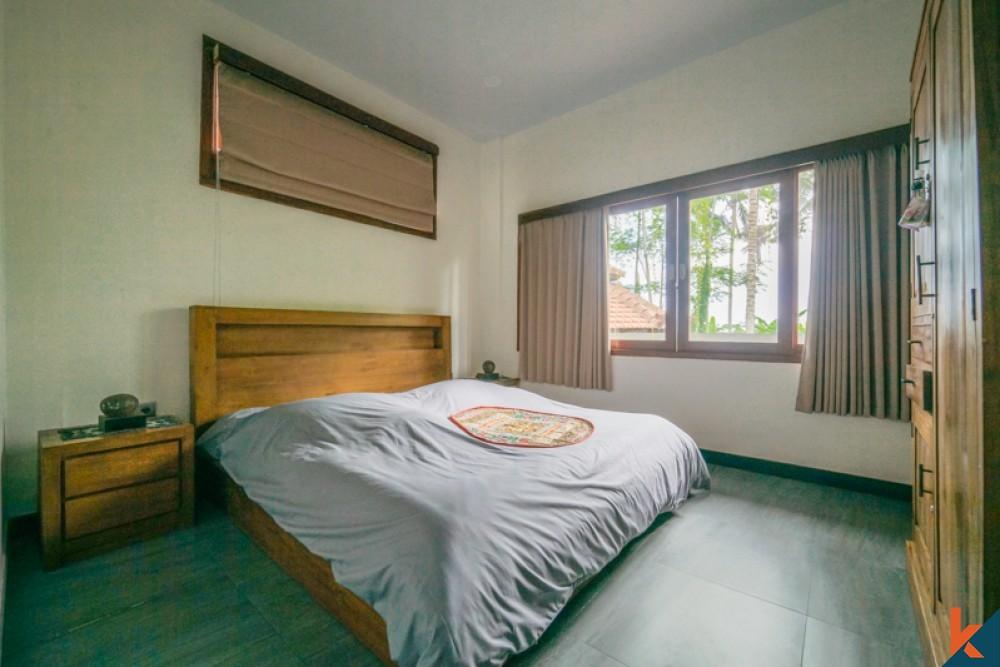 Belle villa en bois avec vue imprenable à vendre à Ubud