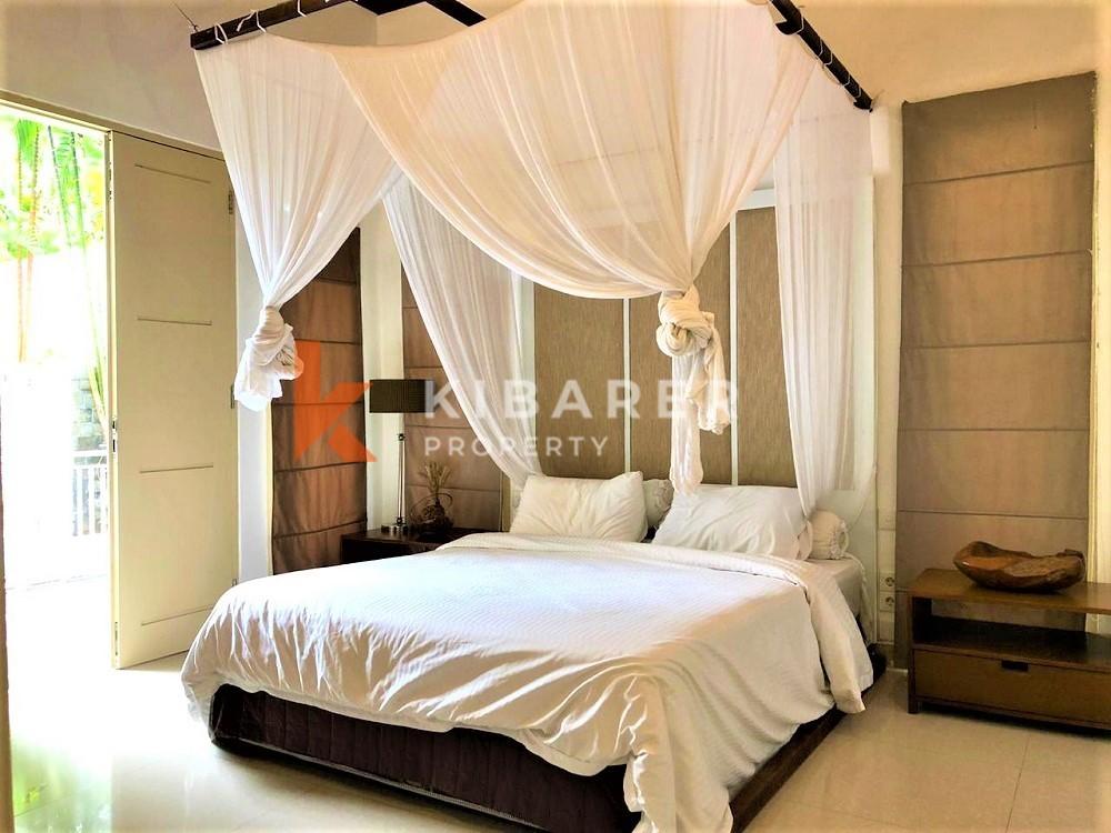 Cozy Three Bedrooms Closed Living Complex Villa in Canggu