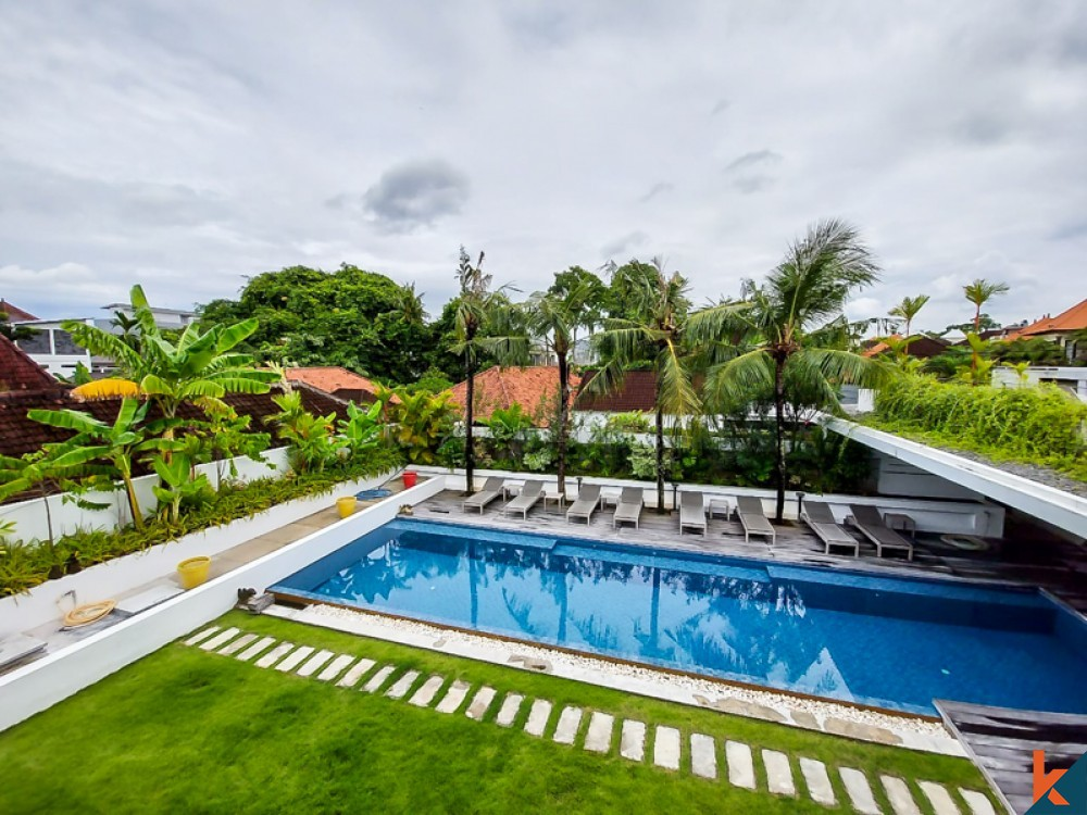 Amazing Five Bedrooms Villa with Long Lease for Sale in Umalas