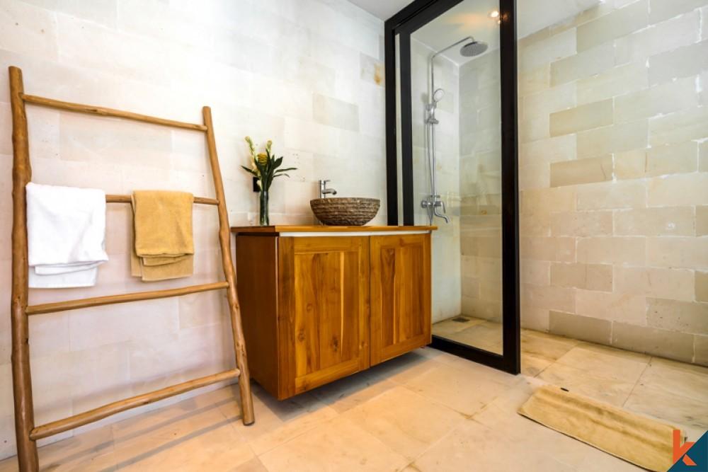 Villa Tiga Kamar Tidur yang Indah untuk dijual di Padonan