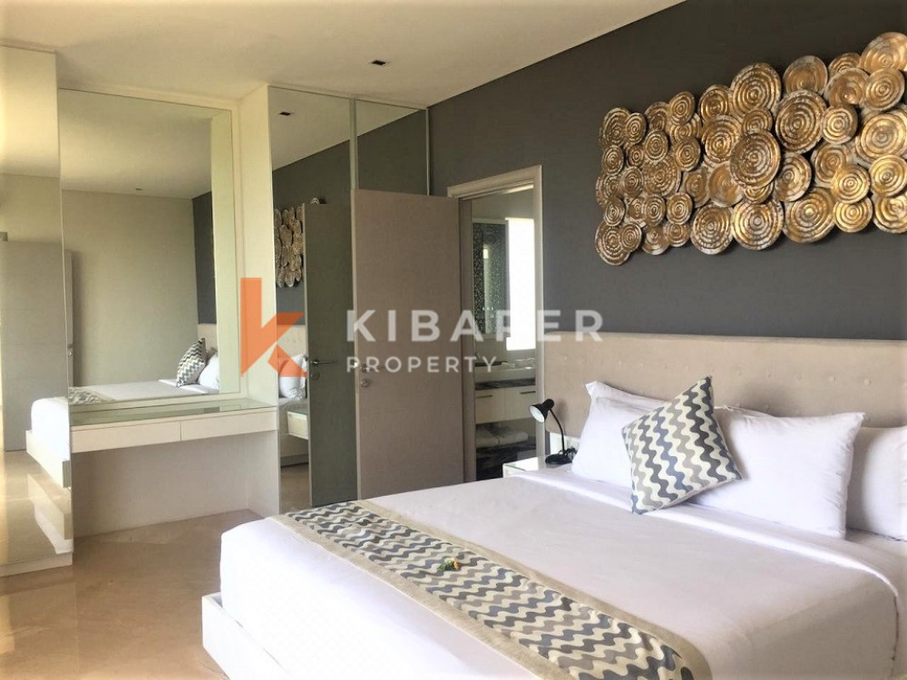 Luxury One Bedroom Apartment with Sea View
