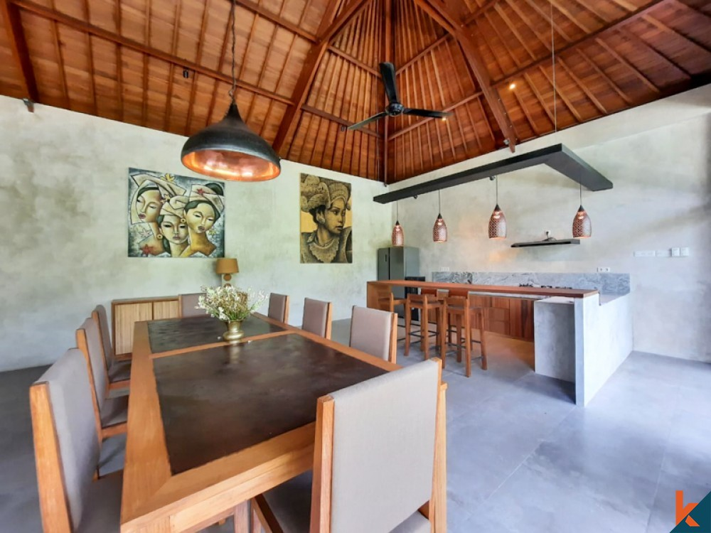 Villa Tepi Sungai Baru Tiga Kamar Tidur Dijual di Tabanan