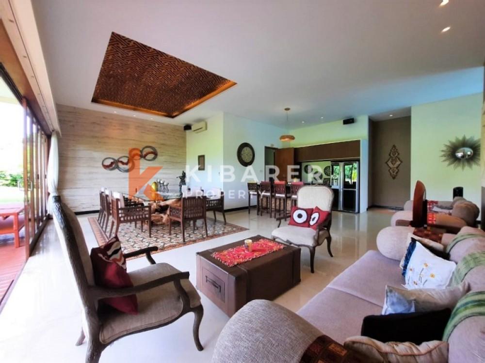 GOLF COURSE AND OCEAN VIEW SIX BEDROOMS CLOSED LIVING VILLA IN PECATU