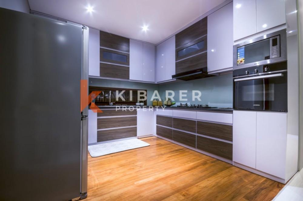 Modern Five Bedroom Villa with Ungasan view