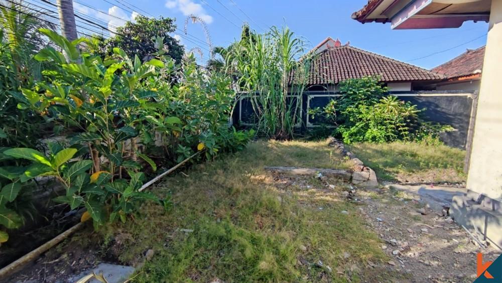 Rare petit terrain commercial à Padang Linjong à vendre