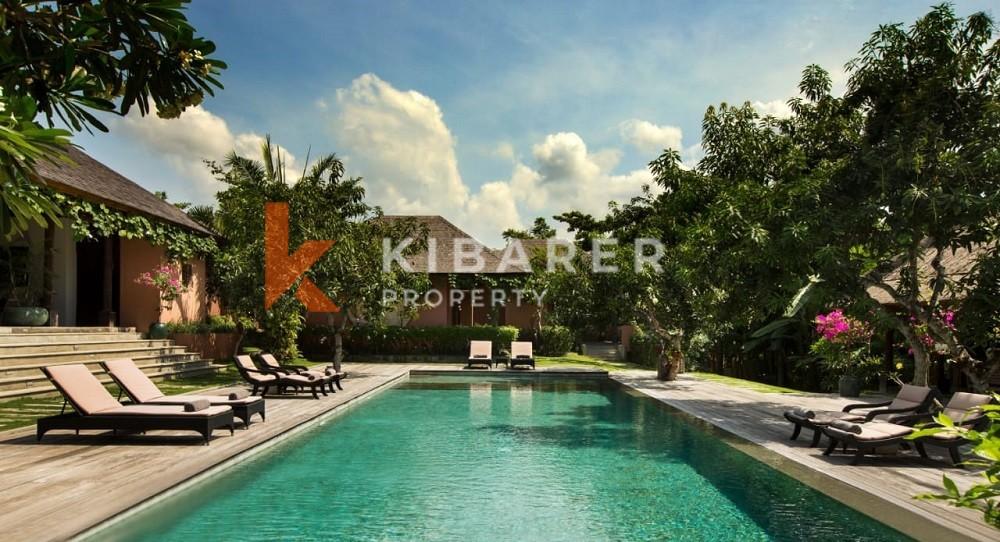 Villa de luxe 6 chambres Joglo avec grand jardin dans la région d'Umalas