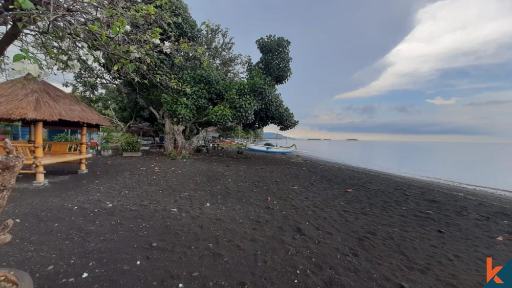 Prix réduit Superbes 53,5 sont des terrains résidentiels en bord de mer à Lovina à vendre