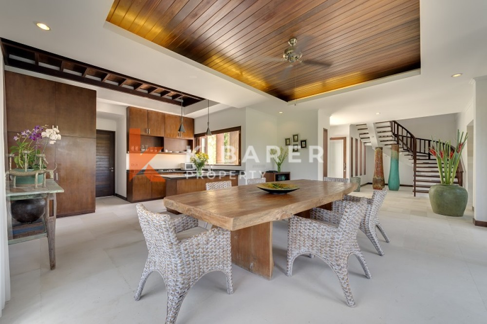 Luxury Two Bedrooms Closed Living Villa Di Canggu