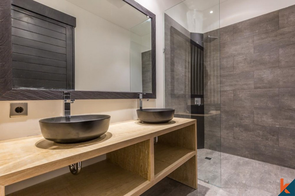 Villa neuve de trois chambres en pleine propriété à vendre à Berawa
