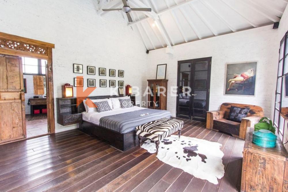 Spacious Five Bedroom Villa offering stunning rice field in Umalas