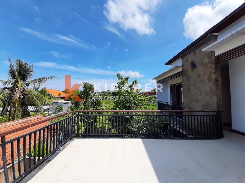 Vila Tiga Kamar Tidur yang Indah dengan pemandangan sawah menawarkan lokasi terbaik di Canggu