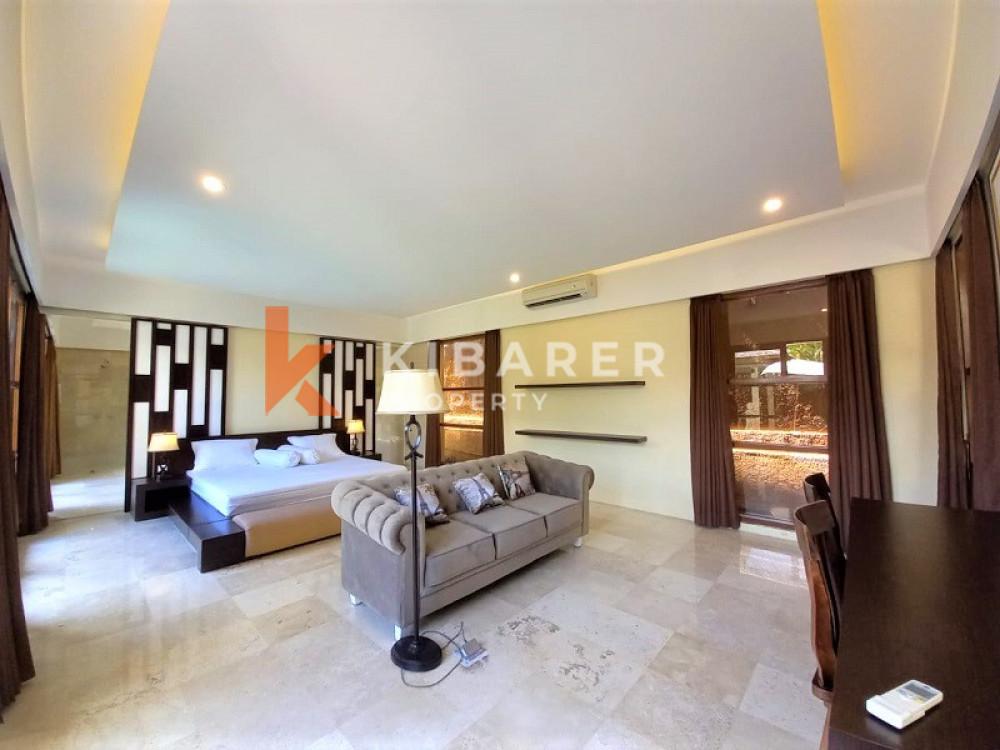 beautiful 3 + 1 bedroom close living room in canggu area