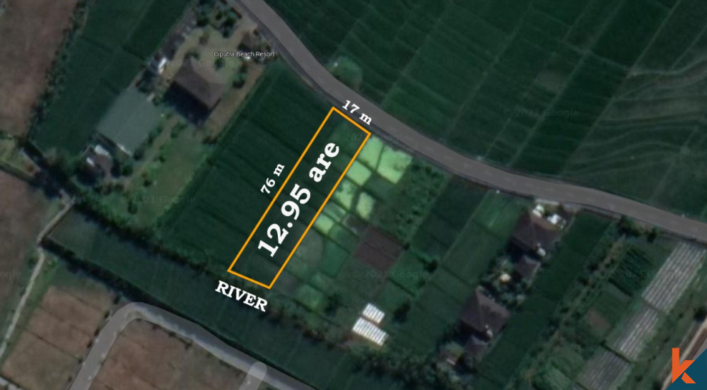 Riverside leasehold land with great access