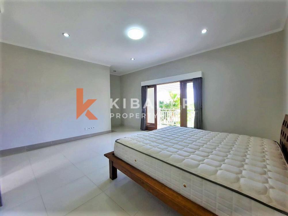 Simple Two Bedrooms Semi Furnish Two Bedroom Villa Di Padang Linjong