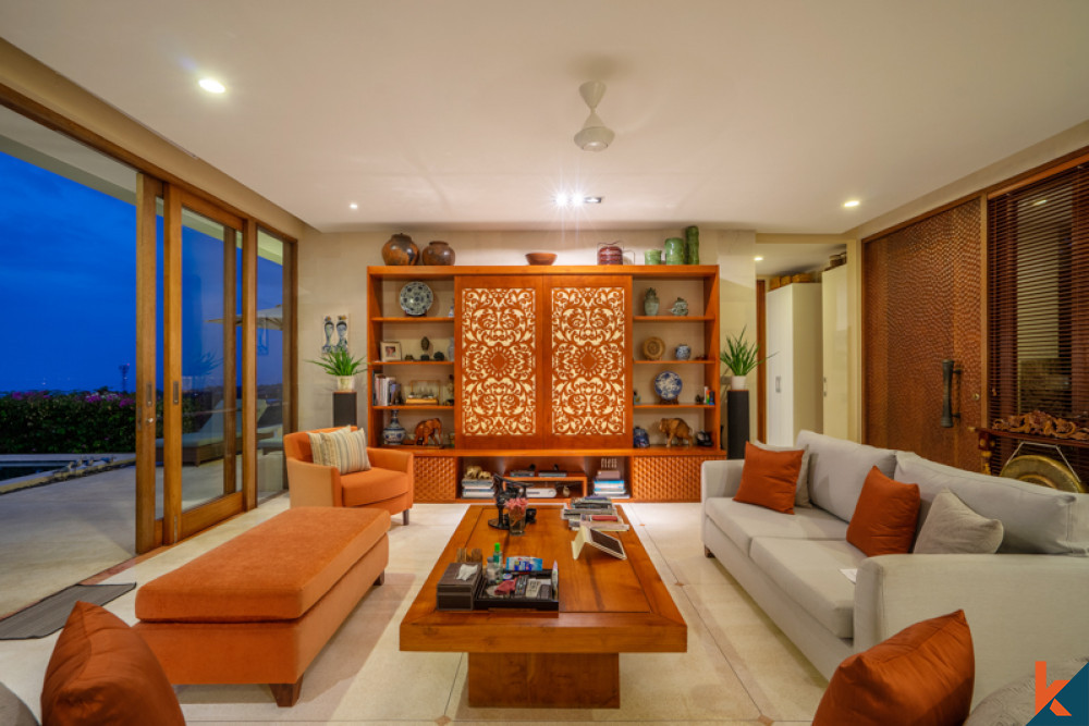 Elegant and Beautifully Villa with Amazing View for Sale in Pecatu