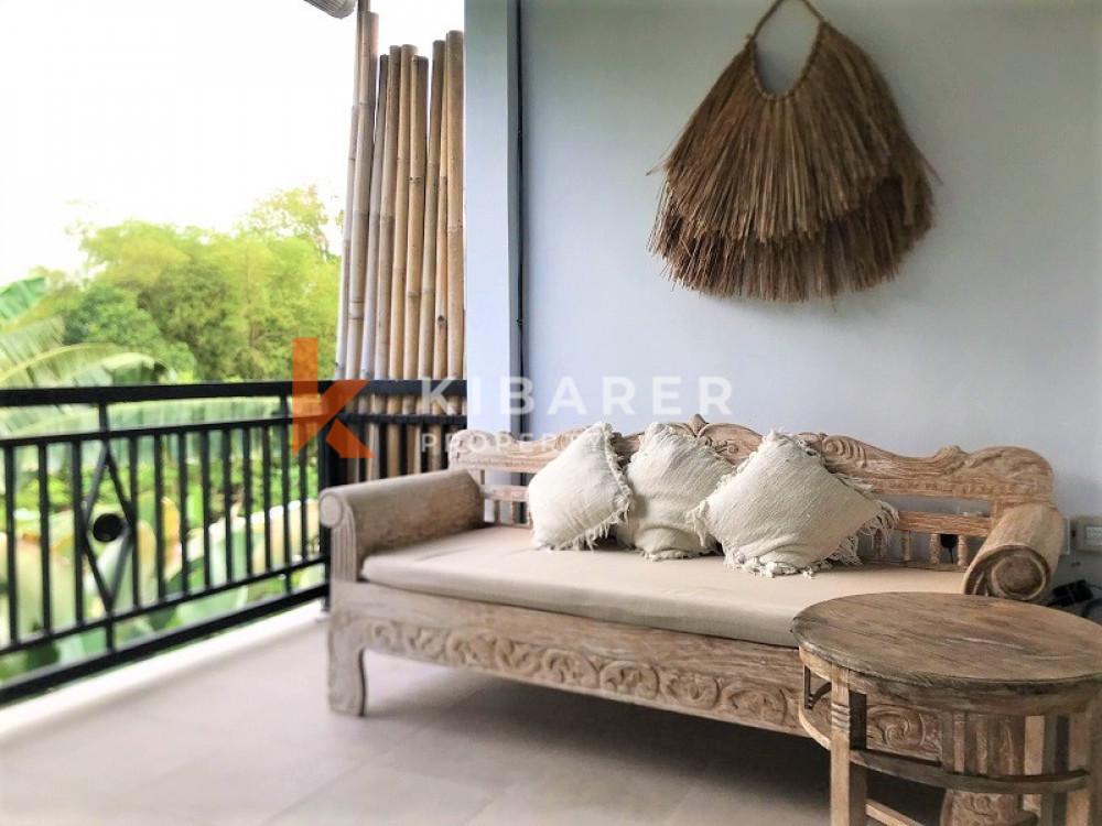 villa dua kamar tidur yang indah tinggal terbuka di canggu