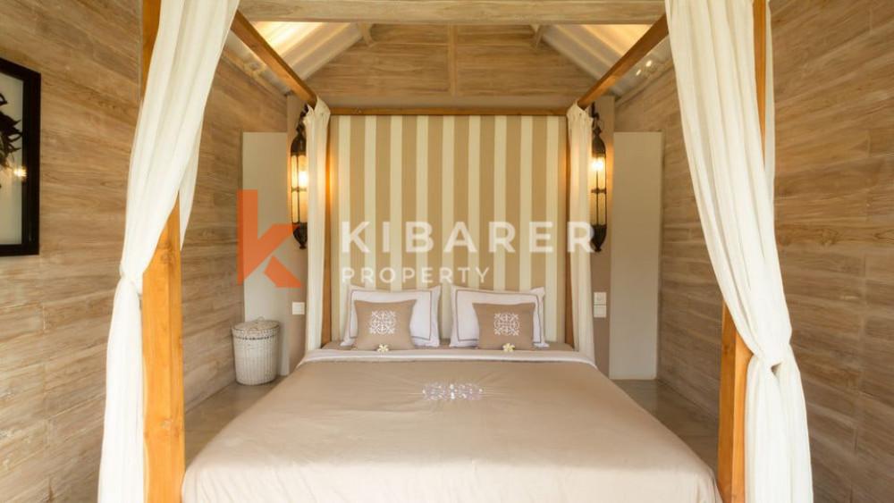 Vila Cantik dengan 3 Kamar Tidur bergaya joglo di Kerobokan