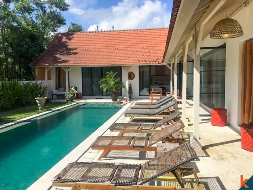 Tropical Four Bedrooms Villa for Lease in Berawa